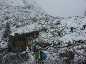 Le début de l'ascension... fin mai... 1700m. Oui, c'est de la neige.