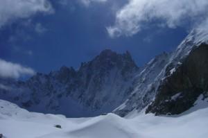 Elle existe bien ! Il faudra que je revienne pour escalader sur ce sommet à 4100m.