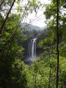 Notre récompense pour avoir survécu à cette route : la cascade de Nam Tok Katamtok.