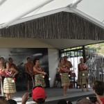 Les danseurs maoris utilisent des poïs.
