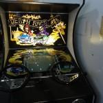 """""""Le musée mécanique"""" (en français dans le texte) : une salle d'arcade super-rétro (certaines machines datent d'avant l'ère électronique). Sur cette photo, l'ancêtre de GTA, qui avait lui aussi fait couler beaucoup d'encre à sa sortie."""