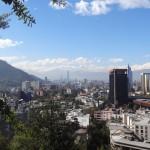 À l'ouest de Santiago, la cordelière des Andes sépare le pays de l'Argentine.