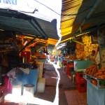 Un des nombreux marchés de la ville.
