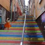 Il y a beaucoup d'escalier et de tags à Valparaiso. Parfois les escaliers sont tagués.