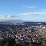 Quito vue depuis la Panecillo, une colline au sud du centre historique.